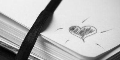 Вірші пишуться на папері