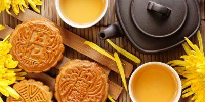 Чай з смаколиками