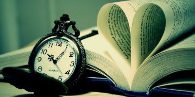 Книга і годинник